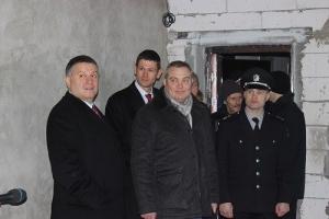 Аваков вручил херсонским полицейским ключи от новых квартир