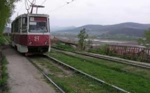 В Николаеве из-за обрыва трамвайных путей были повреждены три автомобиля