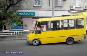 Депутат Херсонского горсовета забрал выручку у водителя маршрутки