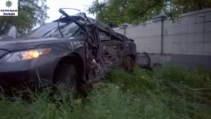 На въезде в Николаев Toyota Camry слетела с трассы, есть погибшие