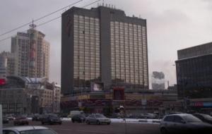 Неизвестные пытались захватить одну из самых известных гостиниц в Киеве
