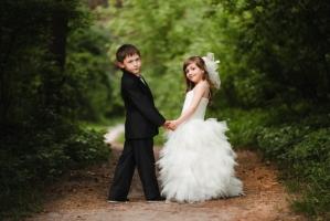 В «ЛНР» планируют разрешить заключение браков с 16 лет