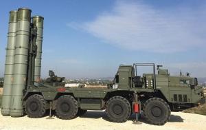Россия завезет в Крым полк зенитных систем С-400