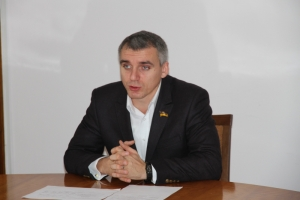 Сенкевич планирует провести эксперимент по замене асфальта армированной плиткой