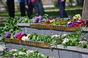 В Херсоне на акции памяти жертв трагедии в Одессе не обошлось без провокации. ФОТО. ВИДЕО