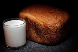 АМКУ рекомендовал снизить цены 17-ти производителям хлеба и молочных товаров в Одесской области