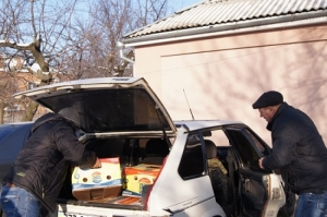 Неравнодушные жители Березнеговатского района передали вынужденным переселенцам гуманитарную помощь