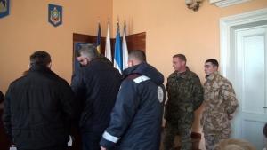 В Николаевской области депутаты получили повестки прямо на сессии горсовета