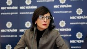 Деканоидзе уволила николаевских патрульных, которые не справились с хулиганами