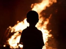 В Херсоне игра на пустыре едва не стоила жизни двум детям