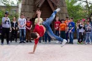 Клуб «Пасадена» пригласил николаевцев в «Сказку» на бесплатные уроки танцев (ВИДЕО)