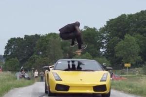 Каскадер Ал из Швеции перепрыгнул Lamborghini, ехавший со скоростью 130 км/ч