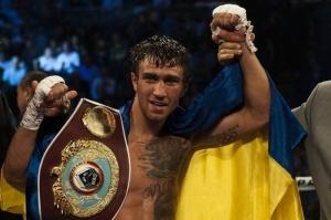 Украинец Ломаченко нокаутировал Мартинеса. ВИДЕО