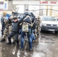 Между представителями вьетнамской диаспоры в Одессе и СБУшниками произошла потасовка