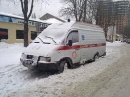На Николаевщине из-за гололеда во время вызова застряла скорая помощь
