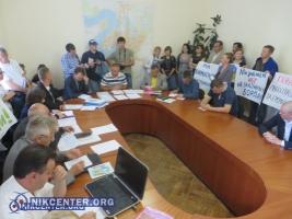 Николаевские депутаты хотят снести 17 незаконных гаражей в центре города