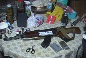 Одесская полиция задержала продавца марихуаны с автоматом Калашникова