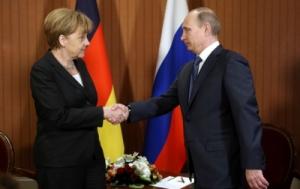 Путин и Меркель провели телефонный разговор, в ходе которого продолжили обмен мнениями о развитии ситуации в Украине