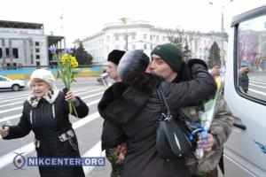 В Херсон вернулись из ДНРовского плена украинские военные