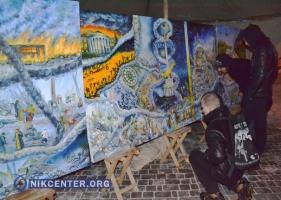 Херсонский художник в «Ночь памяти» презентовал триптих, посвященный Майдану