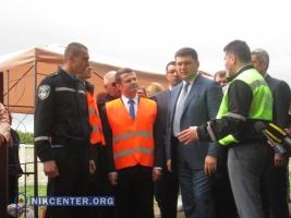 Премьер-министр проверил ход ремонтных работ на трассе Одесса-Южный