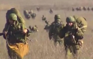 На восточных границах с Россией находится более 80 тысяч солдат российской армии