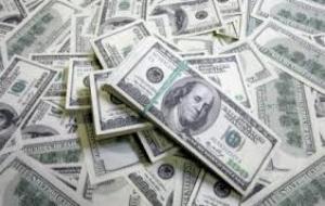 Украинец пытался вывезти из страны 2,8 млн. долларов в топливном баке