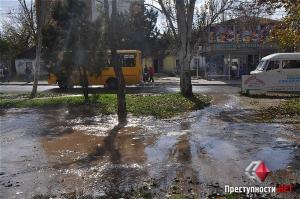 Из-за аварии на водопроводе в Николаеве затопило сразу несколько улиц