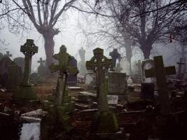 Мэр Херсона проверил кладбища на готовность к поминальным дням