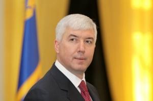 Экс-министр обороны Украины держал на счетах в швейцарском банке более 11 млн. долл.