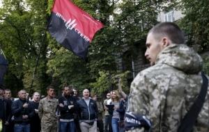 Правый сектор собирает на Майдане народное вече