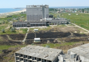 Прокуратура Одесской области отсудила у частников долг за строительство пансионата