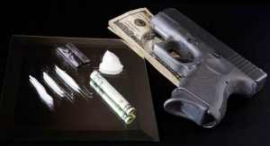 В Николаеве милиция задержала мужчин с наркотиками и оружием