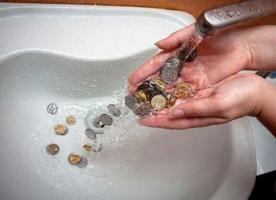 В Херсонской области из-за плохих водоводов и теплотрасс ежегодно теряется 1,8 млрд. грн.