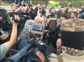 Из плена освобождены еще 35 украинских бойцов - Порошенко