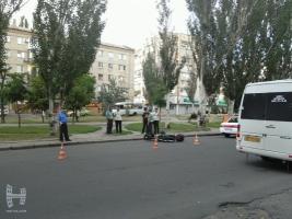 В Николаеве мопед сбил беременную, переходившую дорогу по
