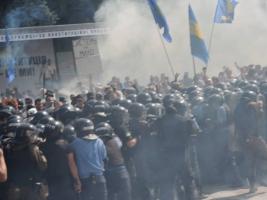 В столкновениях под ВР пострадало 122 человека