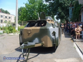Николаевский бронетанковый завод передал пограничным войскам передвижной блокпост