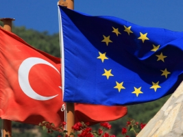 Турция получит от Евросоюза 1 млрд. евро для помощи беженцам