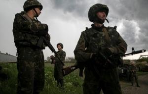 Боестолкновение в Трехизбенке закончилось, среди украинских военных есть раненые