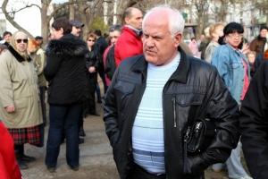 Анатолий Чайка назвал жителей домов по ул. Карпенко «кучкой неадекватных людей». Возмущенные граждане пикетируют ОГА