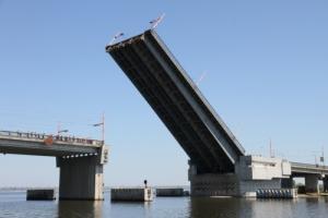 Разводка николаевских мостов перенесена на 24 декабря