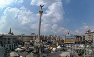 На Майдане остались всего две палатки. Движение транспорта по Крещатику возобновлено