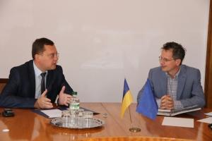 В Николаеве обсуждали вопросы децентрализации с иностранной делегацией