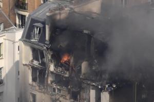 Из-за взрыва в центре Парижа эвакуировали несколько улиц