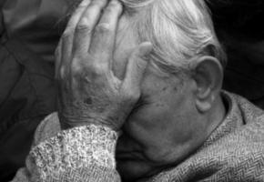 В Николаеве 91-летний дедушка обменял 13 тыс. грн. на «купюры нового образца»
