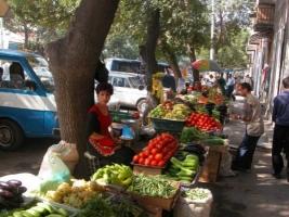 В Николаеве будут бороться со стихийной торговлей, изымая товар