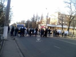 Одесскую улицу перекрыли в знак протеста против повышения цен