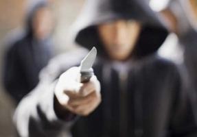 Во время разбойного нападения на магазин электроники в Одессе пострадал продавец