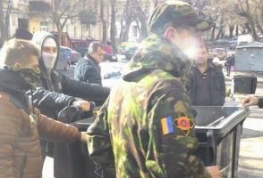 В Одессе активисты «Совета общественной безопасности» ворвались в здание оппозиционного телеканала и избили директора